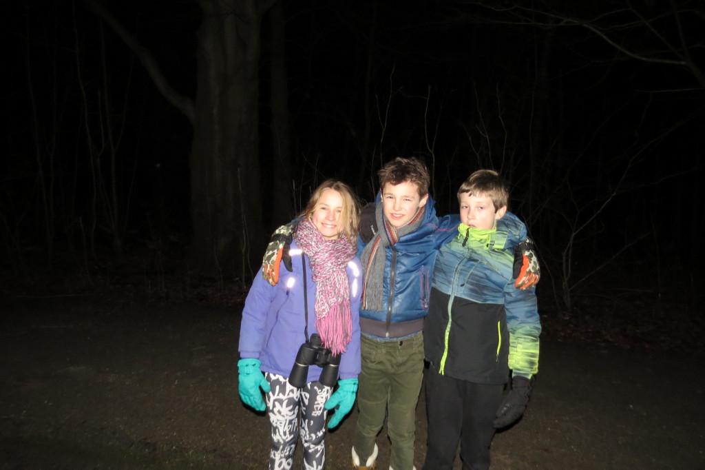 5. extra jeugdexcursie bosuilen luisteren 19-2-2016 056